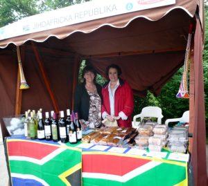 Festival ambasád v rámci Farmářských trhů na Kulaťáku
